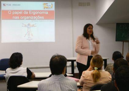 Imagem sobre Apresentação teatral e palestra mostram a importância da Ergonomia na prevenção de doenças ocupacionais
