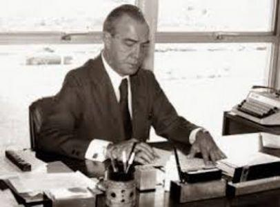 Imagem sobre Medalha de 100 Anos do TCE homenageia Jorge Calmon
