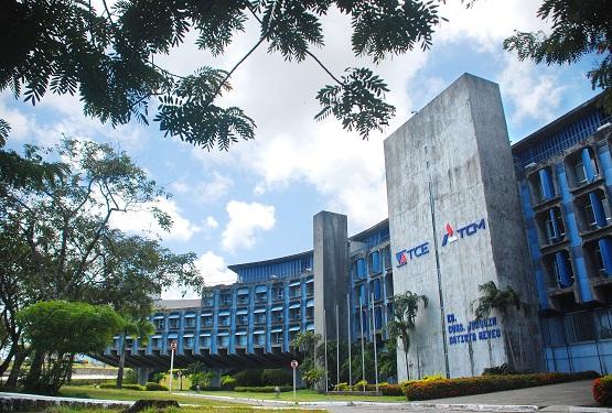 fachada TCE